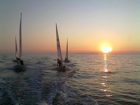 Soggiorno a Follonica pe vedere Vele al tramonto nel Golfo