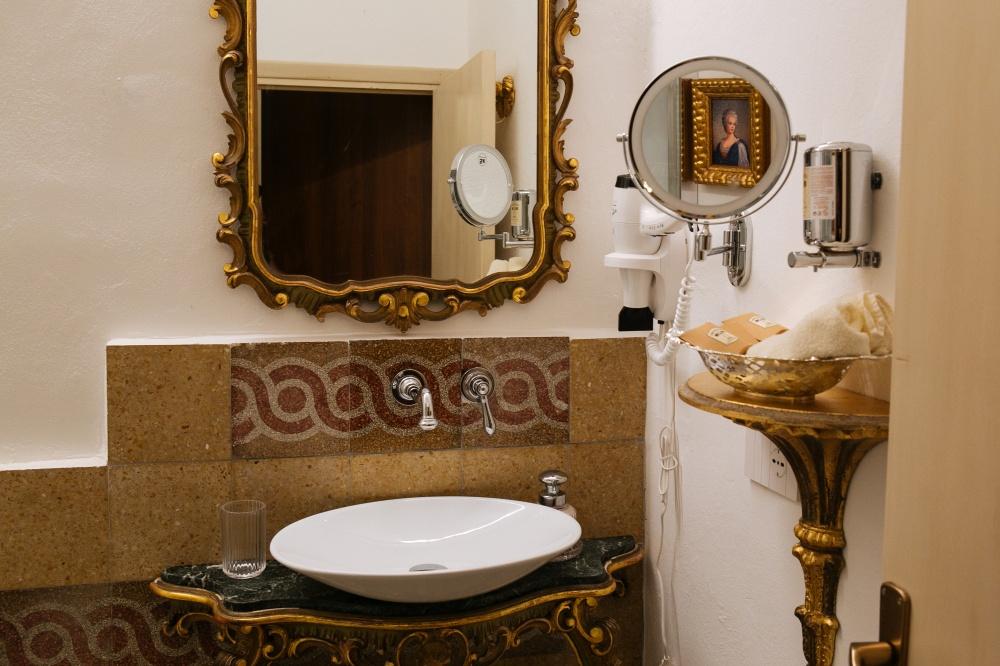 bagno in camera prestige, dimora storica per vacanze in toscana