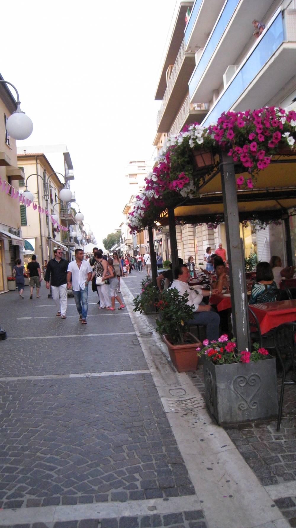 Andare per shopping a Follonica