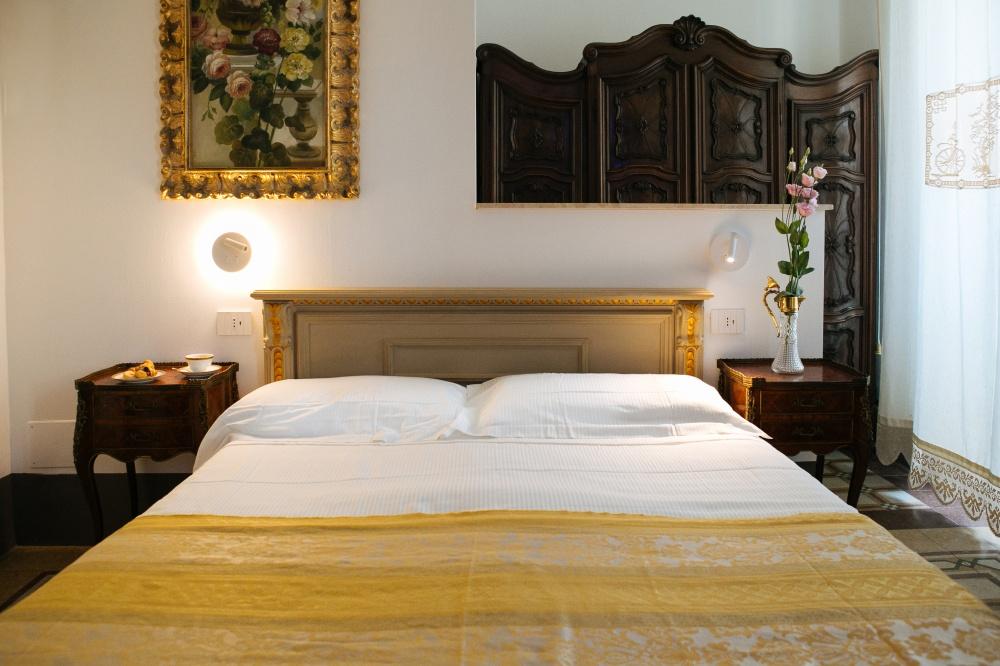 letto e accessori camera prestige, vacanze al mare in toscana