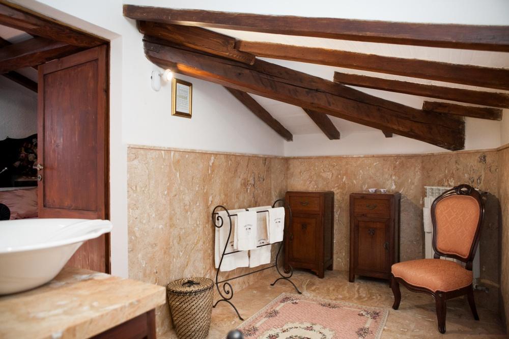 loft con travi a vista, soggiorno al mare toscana, follonica
