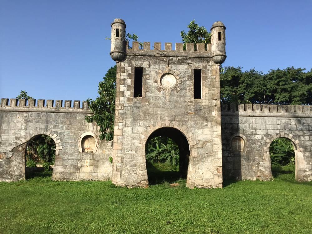 Affittare casa per scoprire i resti coloniali portoghesi a principe STP