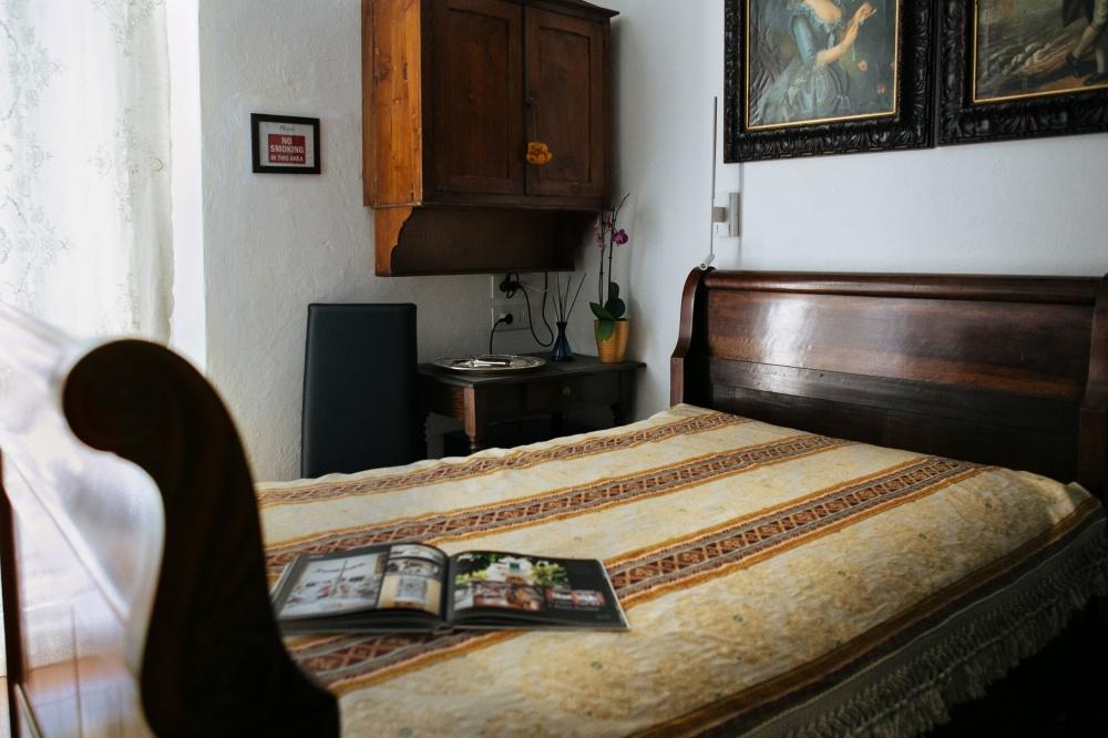 vacanze al mare toscana in camera singola superior, particolare del letto